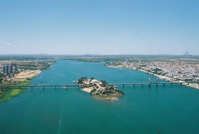 Resultado de imagem para Estudo aponta que o rio São Francisco, entre Petrolina e Juazeiro, está mais seco