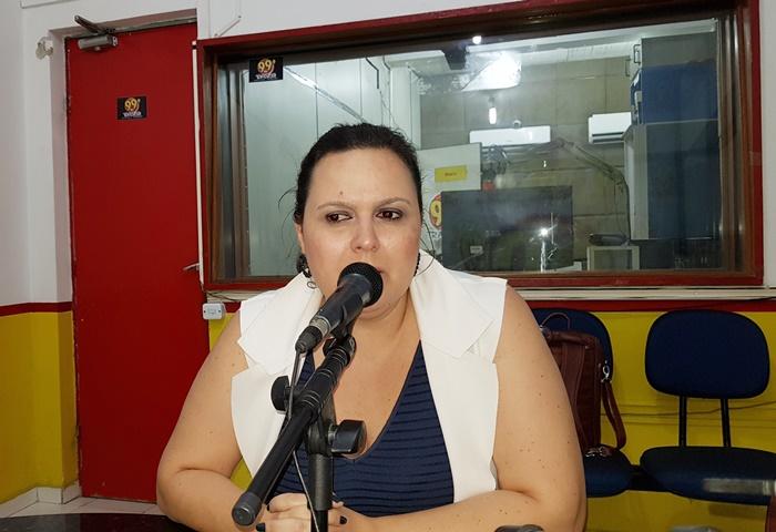 3db5325c6108d A Secretária Municipal de Saúde Fabíola Moura participou do Programa Geraldo  José (Transrio FM Juazeiro AM) na tarde desta quinta-feira (12) quando  resolveu ...