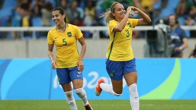 Com gol aos 44 minutos do segundo tempo, brasileiras vencem a China por 3 a 0